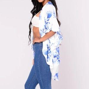 Fashion Nova Blue and White Floral Kimono-M